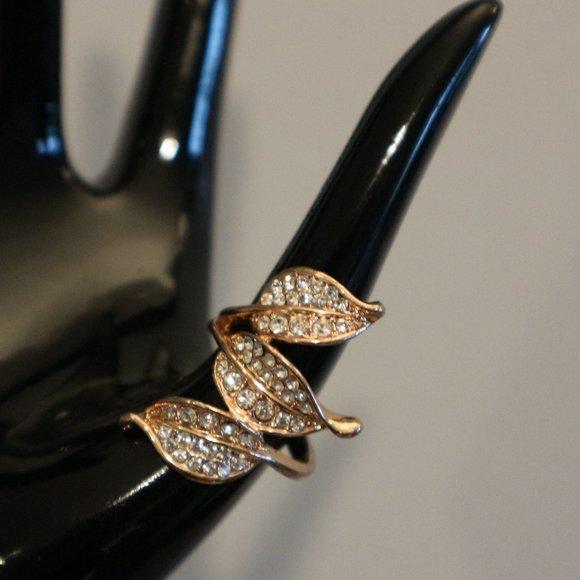 SALE! 🔥 3 Leaves Rose Gold Ring